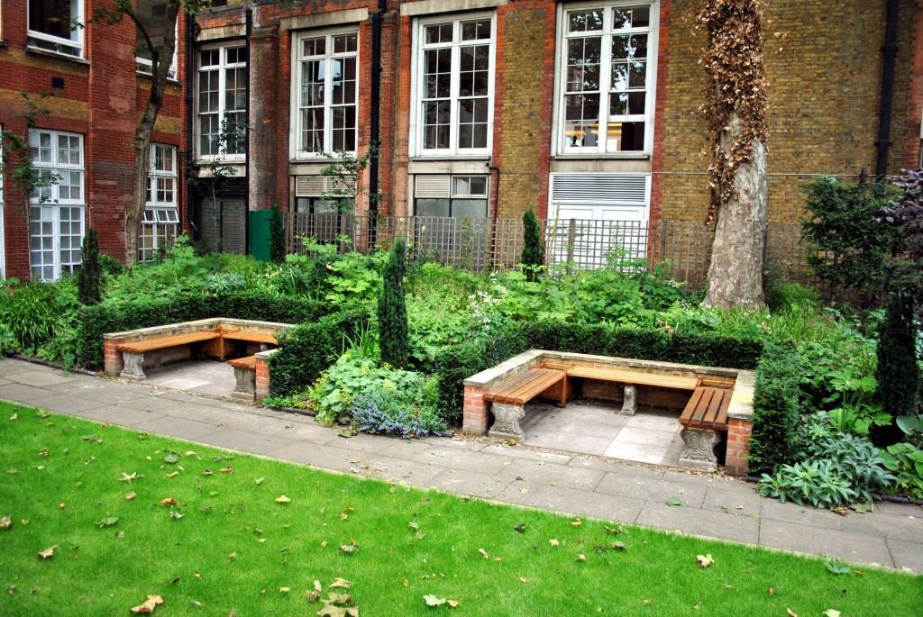 alcoves in London garden